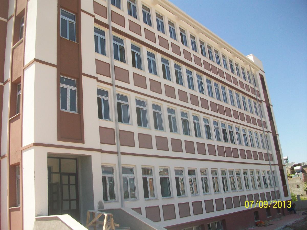 TOKİ-32-Derslikli-İÖO-İnşaatı-İle-Altyapı-ve-Çevre-Düzenlenmesi-31